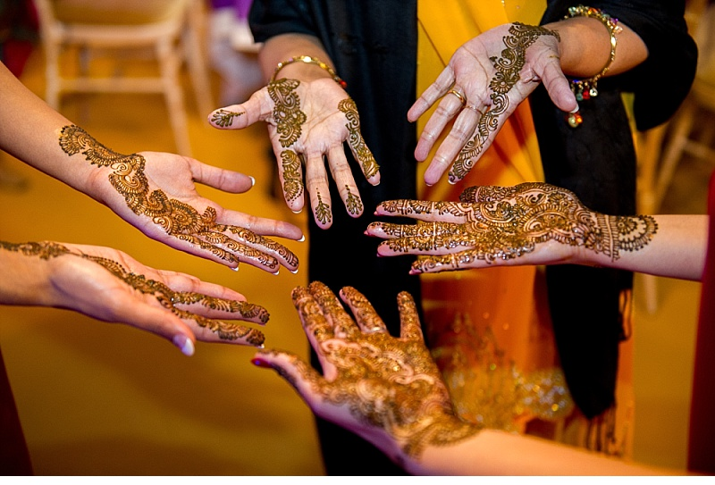 Mehndi Night : Pavuns mehndi night berkshire klp photography wedding